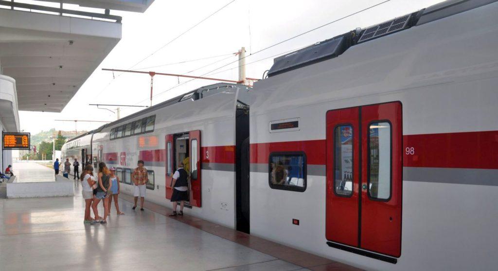 Zbrusu nový a superrychlý Stadler na trase Batumi-Tbilisi.